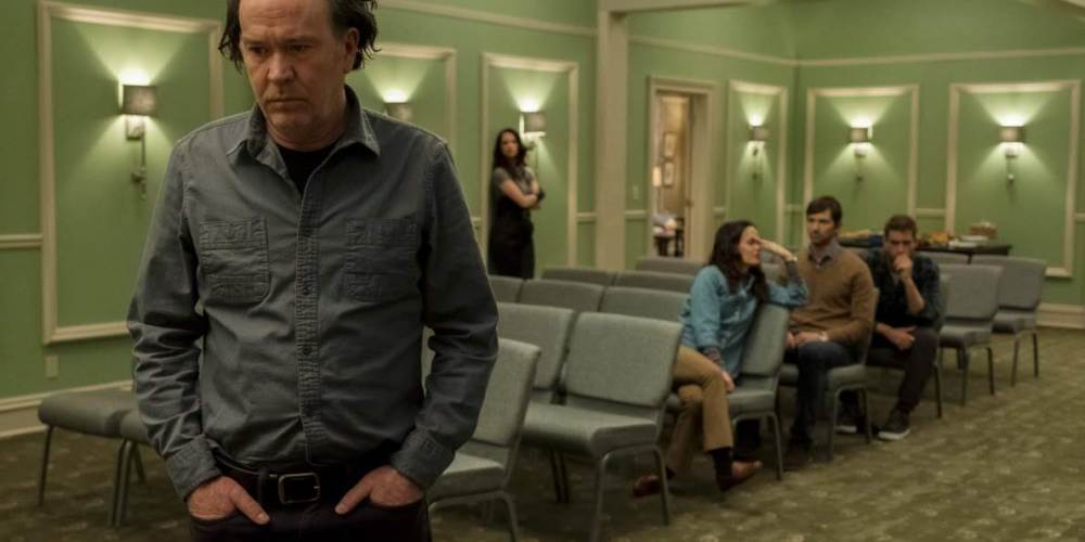 netflixs-new-horror-series-the-haunting-of-hill-house-is-a-chilling-drama-that-digs-much-deeper-than-jump-scares