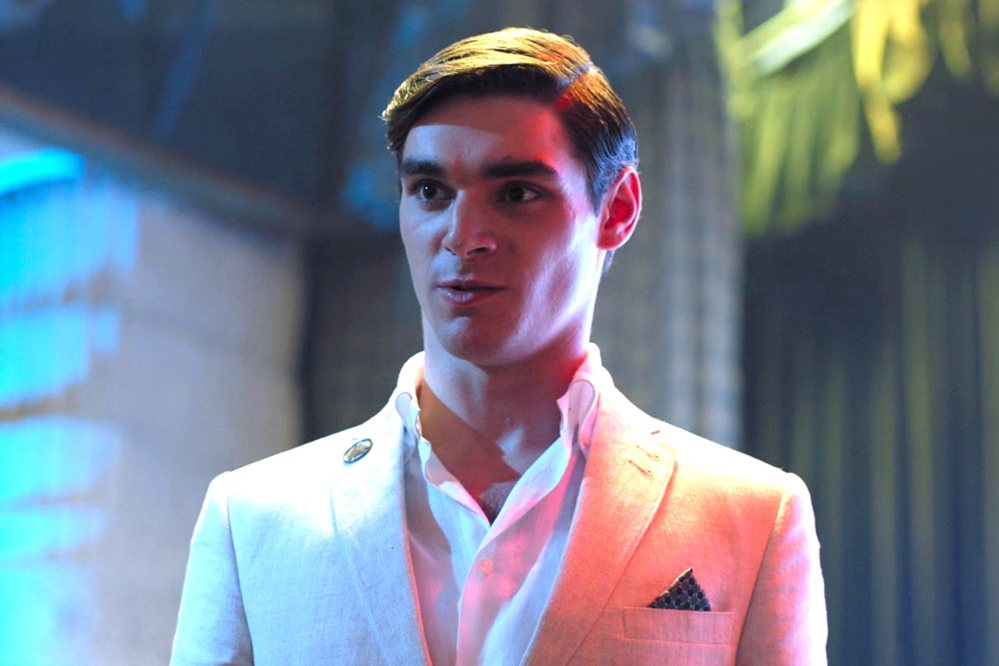RJ Mitte in TIEMPO COMPARTIDO (TIME SHARE) - 2