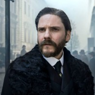 DANIEL BRÜHL - The Alienist