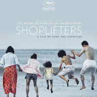 JAPÓN: SHOLIFTERS - Una familia de pequeños delincuentes recibe a un niño que encuentran afuera en el frío.